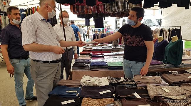 AK Parti Karaman İl Başkanı Abidin ÇAĞLAYAN Pazar müşteri ve esnafını da yalnız bırakmadı.