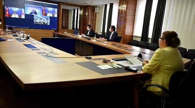 Ticaret Bakanı Ruhsar Pekcan, Esnafla Bir Araya Geldi