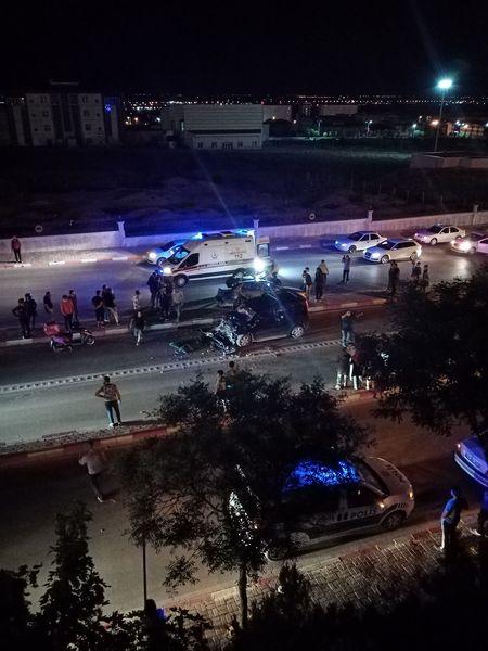 Karaman'da hafif ticari araç ile otomobilin çarpıştığı kazada 2 kişi yaralandı.