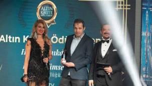 Altın Kalite Ödülleri sahiplerini buluyor Sedat Sarıkaya'ya bir ödül daha!